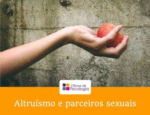 Pessoas altruístas têm mais parceiros sexuais?