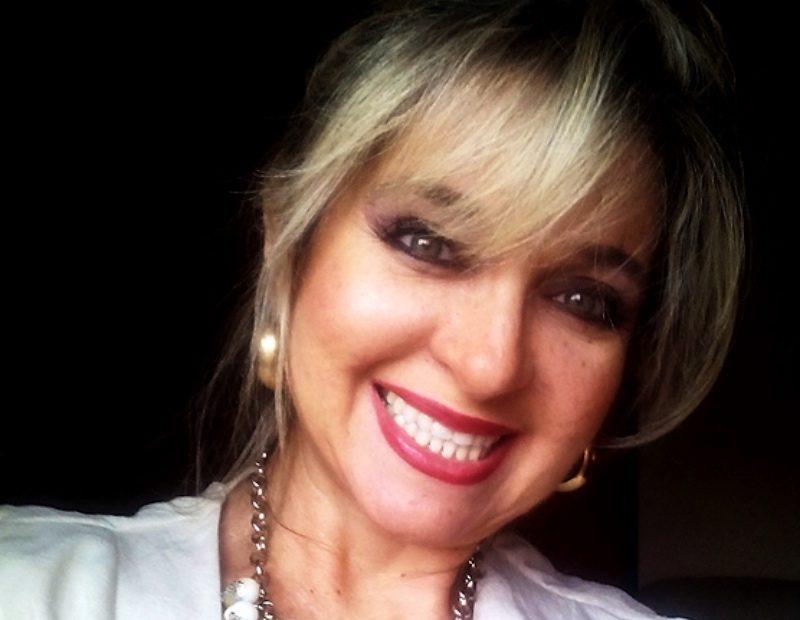 Mary Queiroz
